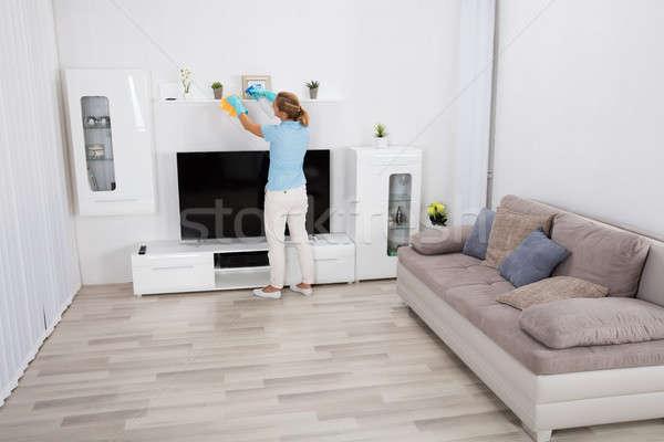 ストックフォト: 女性 · 洗浄 · 家 · 若い女性 · 家具 · ホーム