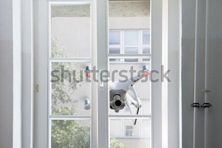 Battenti bianco spionaggio finestra casa porta Foto d'archivio © AndreyPopov