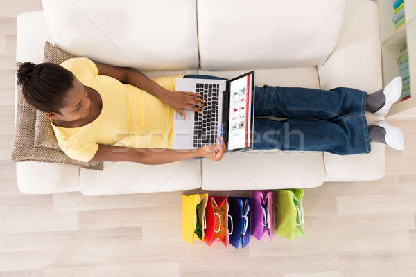 Mujer tarjeta de débito compras línea vista Foto stock © AndreyPopov