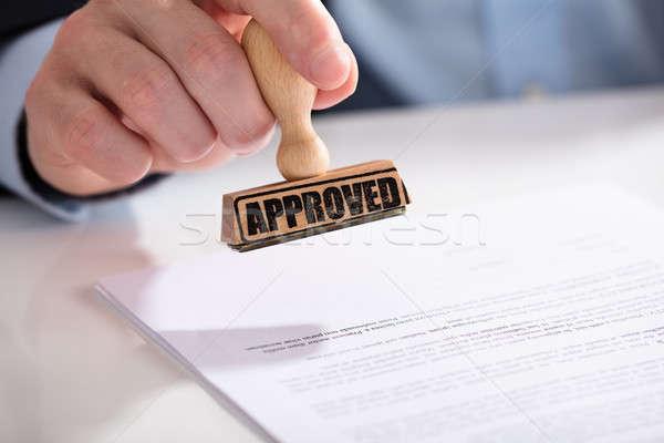 Documento approvato testo primo piano mano Foto d'archivio © AndreyPopov