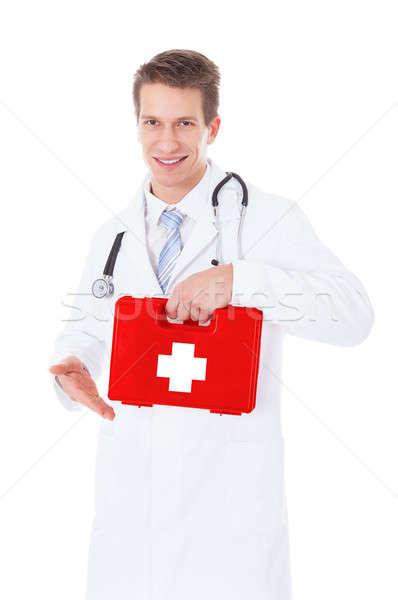 Lekarza pierwsza pomoc polu portret młodych Zdjęcia stock © AndreyPopov