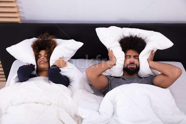 Orelhas travesseiro ver cama mulher Foto stock © AndreyPopov