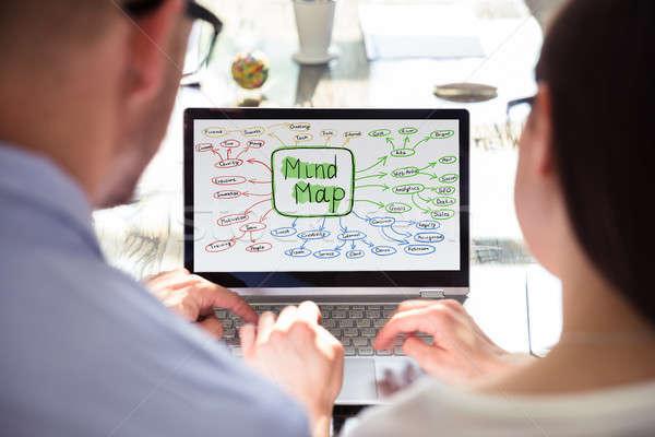 Kettő üzletemberek készít elme térkép közelkép Stock fotó © AndreyPopov