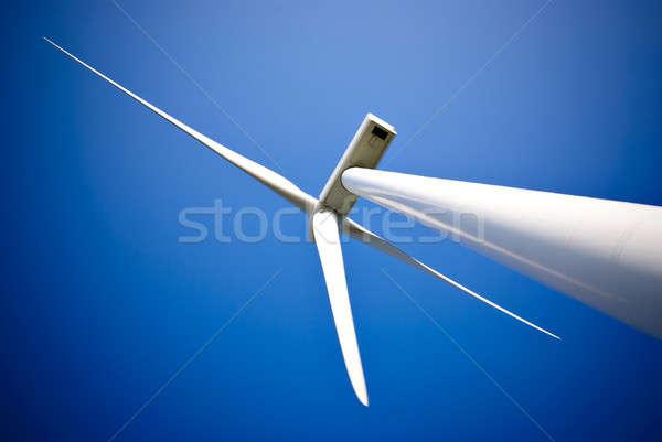 Wiatr energii turbina elektrownia Błękitne niebo trawy Zdjęcia stock © Anettphoto