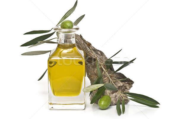 Verde azeitonas Óleo virgem azeite isolado Foto stock © angelsimon