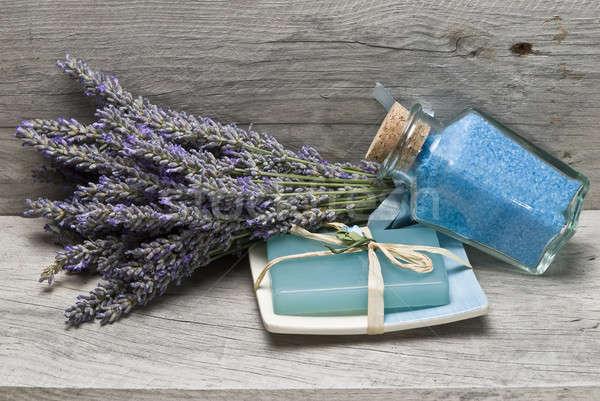 Bad lavendel zeep hygiëne oude houten Stockfoto © angelsimon