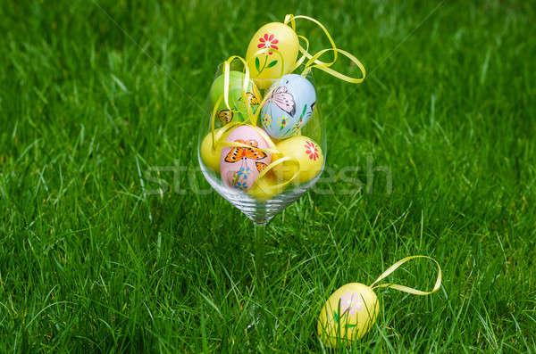 Stockfoto: Geschilderd · paaseieren · glas · groen · gras · vers · voorjaar
