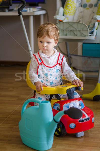 Foto stock: Belo · bonitinho · pequeno · menino · equitação · esportes