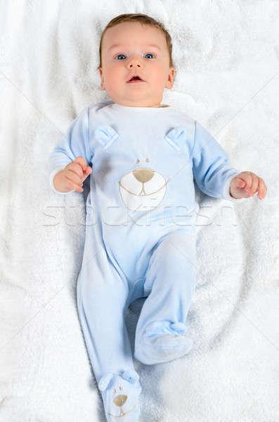 Bonitinho bebê menino branco cobertor olhando Foto stock © anmalkov