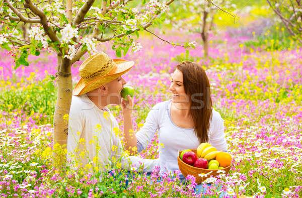 Stockfoto: Jonge · familie · voorjaar · tuin · gelukkig · gezin