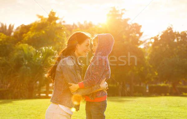 Anne kız park yandan görünüş bakıyor Stok fotoğraf © Anna_Om
