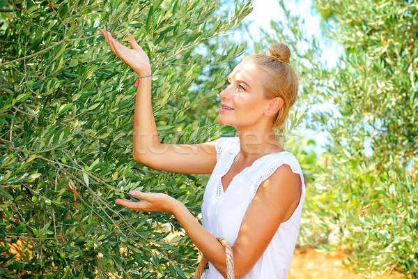 Cute фермер девушки урожай оливками Сток-фото © Anna_Om