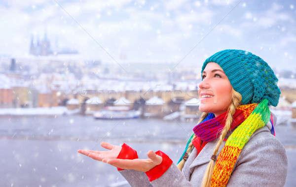 Boldog nő élvezi hóesés portré aranyos Stock fotó © Anna_Om