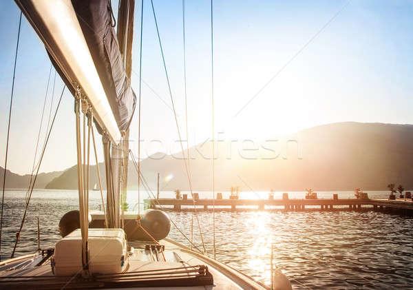 Zeilboot zonsondergang luxueus water vervoer heldere Stockfoto © Anna_Om