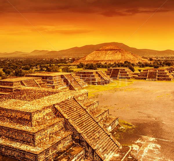 ピラミッド メキシコ 日没 太陽 月 死んだ ストックフォト © Anna_Om