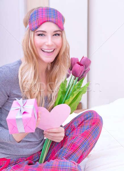 Fogad ajándékok valentin nap portré boldog mosolyog Stock fotó © Anna_Om