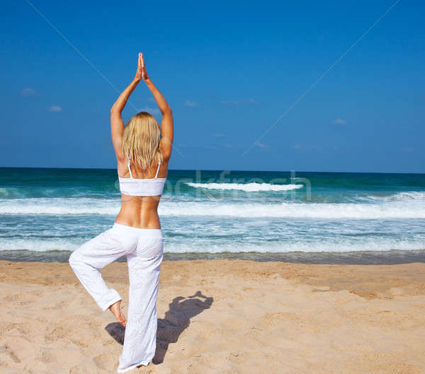 Saine yoga exercice plage mince Photo stock © Anna_Om