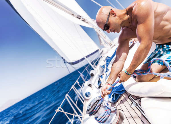 Knap matroos zeilboot shirtless werken Stockfoto © Anna_Om