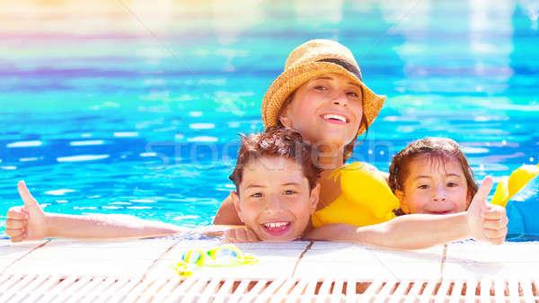 幸せな家族 プール 楽しい アクアパーク 母親 ストックフォト © Anna_Om