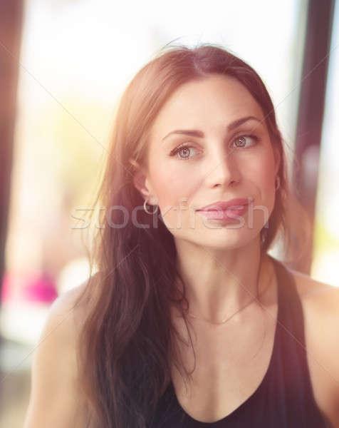 Authentiek portret mooie brunette vrouw Stockfoto © Anna_Om