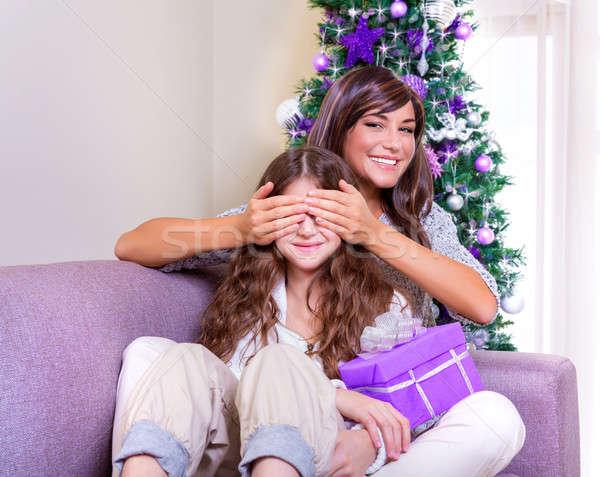 Christmas aanwezig gelukkig moeder Stockfoto © Anna_Om
