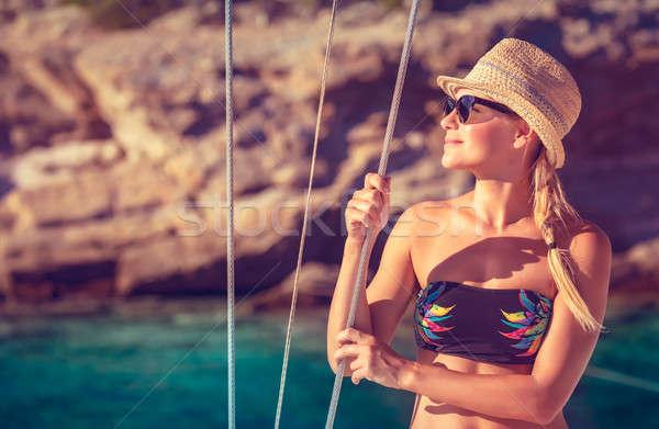ストックフォト: 幸せな女の子 · 夏休み · 美しい · デッキ · ヨット