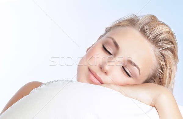 Bella donna dormire primo piano ritratto cuscino isolato Foto d'archivio © Anna_Om