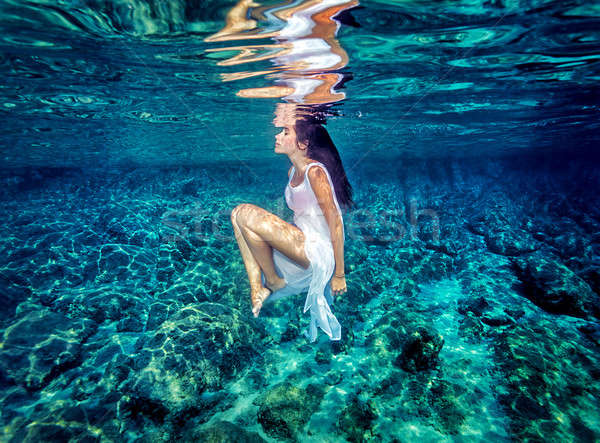 Gyönyörű tánc vízalatti káprázatos nő visel Stock fotó © Anna_Om