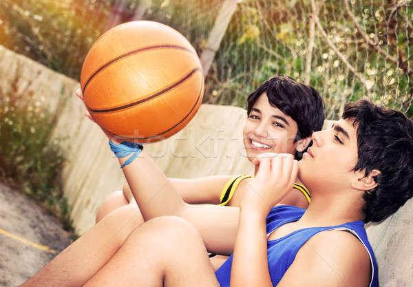 Foto d'archivio: Felice · basket · giocatori · cute · seduta · riposo