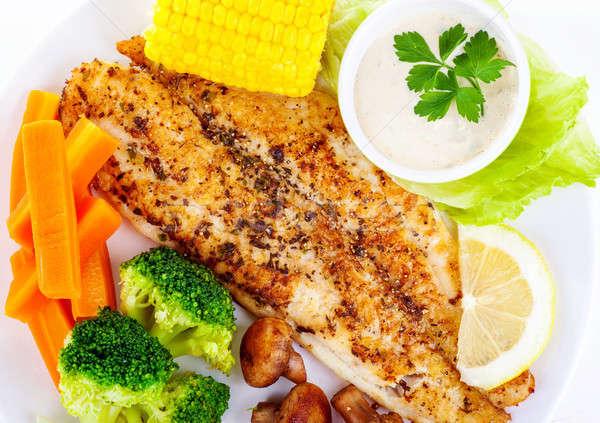 ízletes hal filé grillezett friss zöldségek mártás Stock fotó © Anna_Om