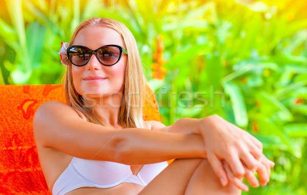 Vrouwelijke genieten zomer vakantie portret mooie vrouw Stockfoto © Anna_Om