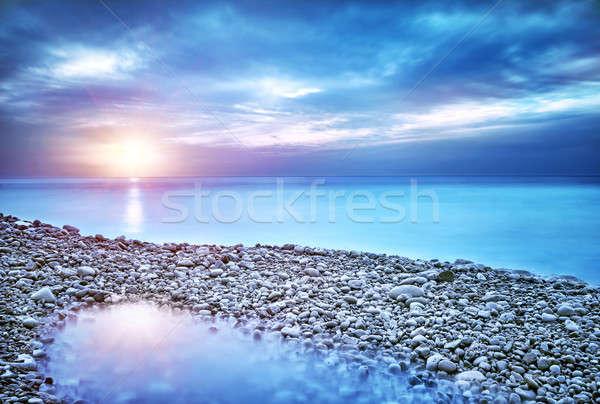 Gyönyörű tengeri kilátás elképesztő kilátás kavics tengerpart Stock fotó © Anna_Om