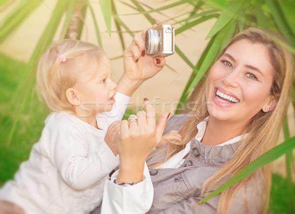 Boldog anya fényképezés baba derűs értékes Stock fotó © Anna_Om