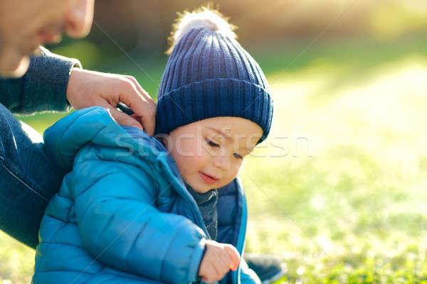 Baba küçük oğul oynama açık havada güneşli Stok fotoğraf © Anna_Om