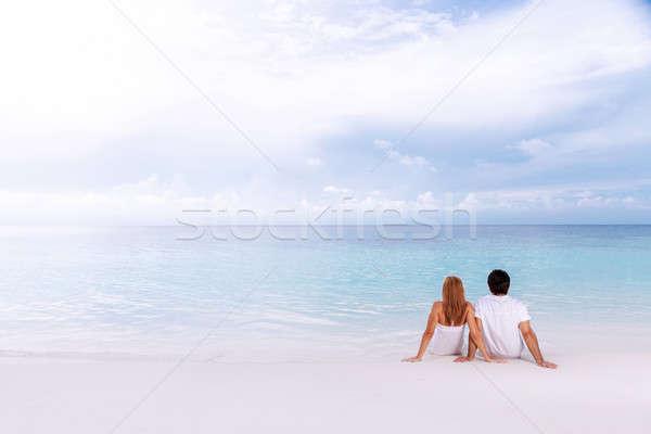 Romantica data spiaggia Coppia seduta Foto d'archivio © Anna_Om