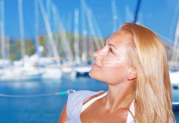 Nő jacht kikötő oldalnézet aranyos szőke Stock fotó © Anna_Om