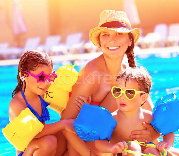 Famille heureuse vacances d'été jeunes mère deux cute Photo stock © Anna_Om