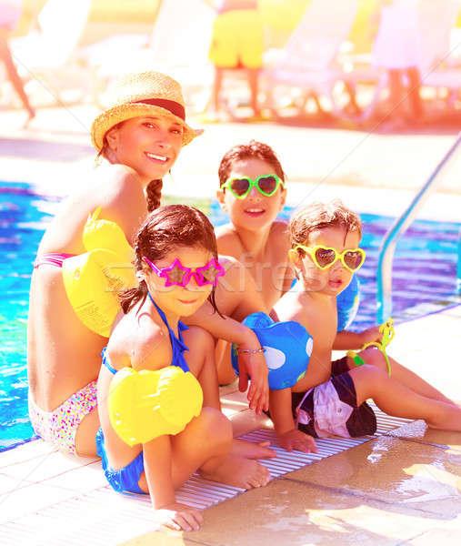 Stok fotoğraf: Aile · plaj · başvurmak · büyük