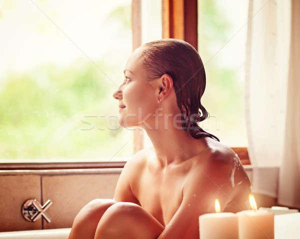 かなり 少女 バスタブ 座って 見える ウィンドウ ストックフォト © Anna_Om