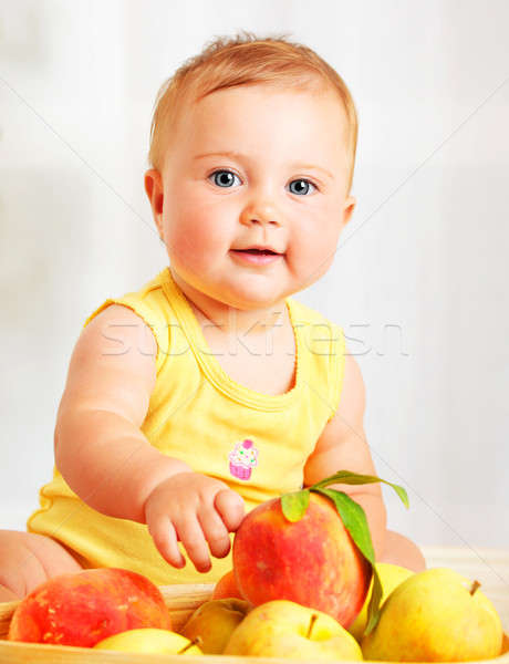 Peu bébé fruits portrait Photo stock © Anna_Om