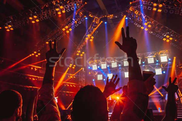 Kő koncert emberek kiemelt felfelé kezek Stock fotó © Anna_Om