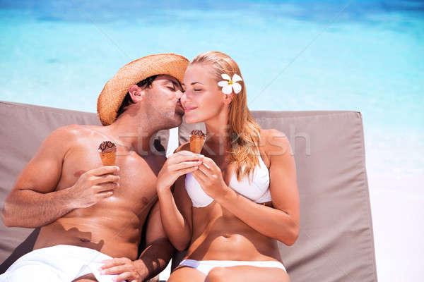 Affectueux couple plage heureux jeunes famille Photo stock © Anna_Om