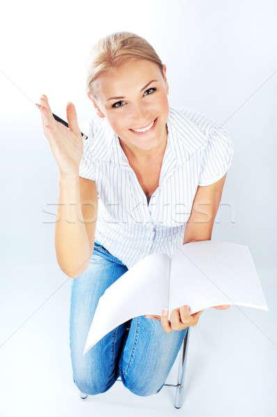 Okos csinos főiskolai hallgató lány tart jegyzettömb Stock fotó © Anna_Om