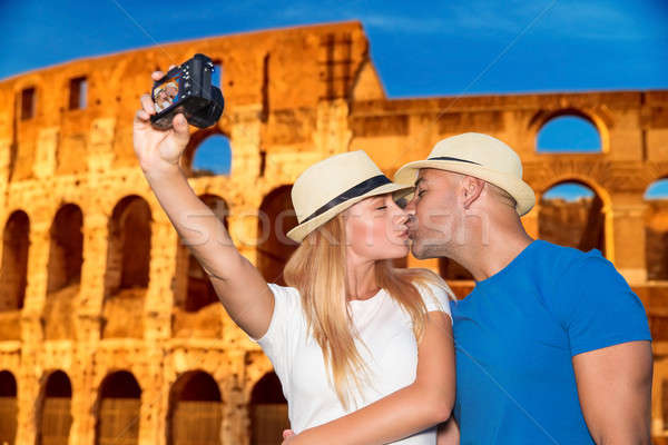 Lune de miel vacances Rome affectueux couple Photo stock © Anna_Om