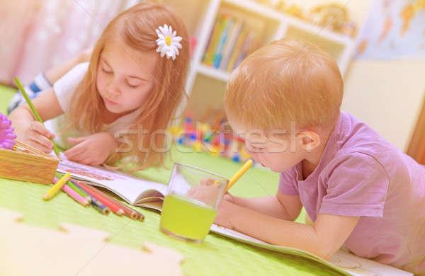Gelukkig baby jongen meisje genieten huiswerk Stockfoto © Anna_Om