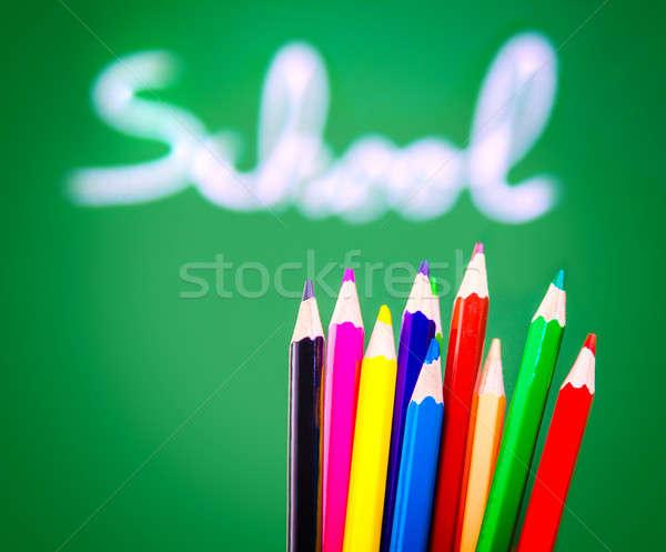 Сток-фото: красочный · карандашей · доске · зеленый · мягкой · Focus