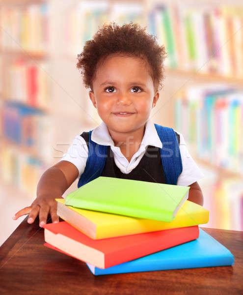 Stockfoto: Schooljongen · bibliotheek · portret · weinig · afrikaanse · vergadering
