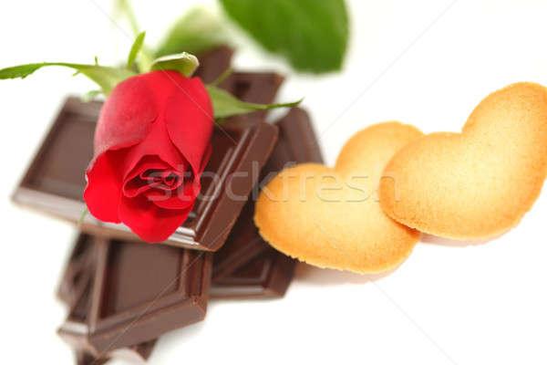 Stok fotoğraf: Kırmızı · gül · çikolata · kurabiye · sevmek · gül · doğa