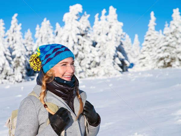 Foto stock: Feliz · mulher · inverno · férias · montanhas