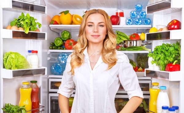 здорового женщину открытых холодильник портрет Cute Сток-фото © Anna_Om